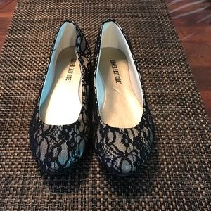 NWOT Lower East Side Lace Flats